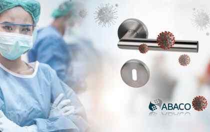 ABACO Beschläge haben antivirale und antibakterielle Wirkung - Türgriff mit ABACO Beschichtung: darauf sind Viren und Bakterien ersichtlich. ABACO hat eine antivirale Wirkung